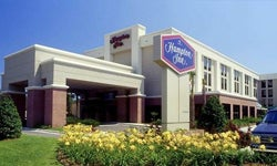 Hampton Inn - Airport
